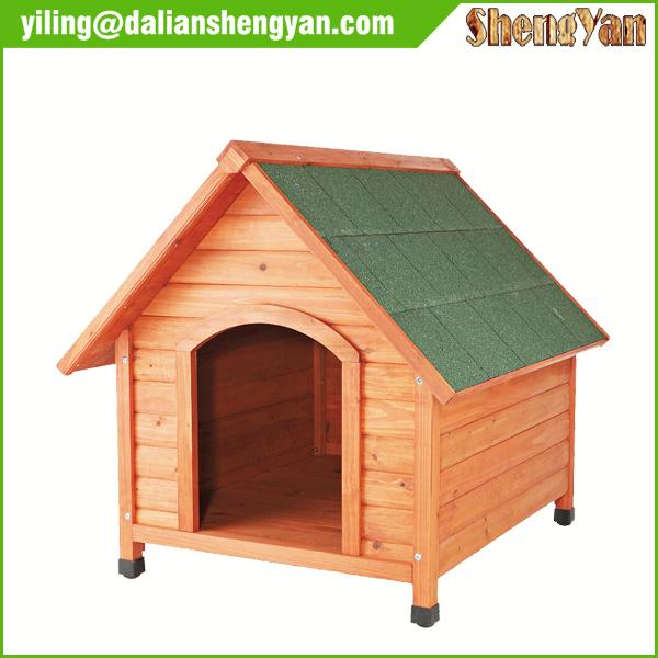 Outdoor Eco-friendly Natural Color Wooden Cedar Waterproof Dog Kennel