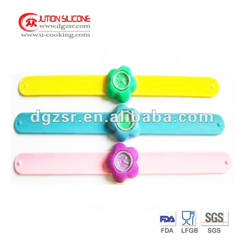 Popular Silicone Lady Watch with Custom Design