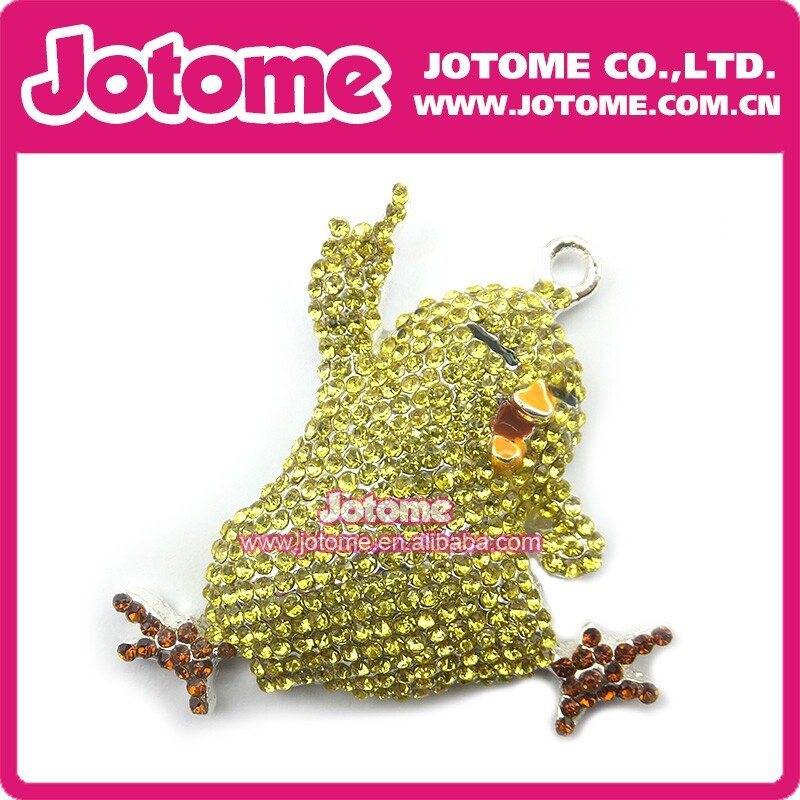 High Quality Competitve Price Rhinestone Dory Fish Pendant