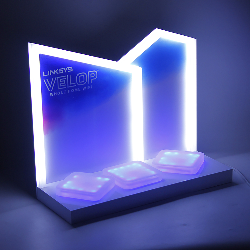 2018 Custom Pop Design Lighted Acrylic Bluetooth Speaker Display Stand With Poster