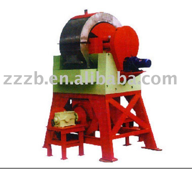 High gradient magnetic separator for iron ore beneficiation