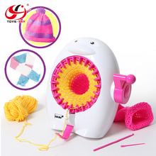 Toysky Educational Handmade Toys Manual Penguin DIY Sweater Knitting Machine with Counter for Girls