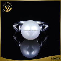 Wholesale alibaba fashion wedding dress silver pearl ring designs for women