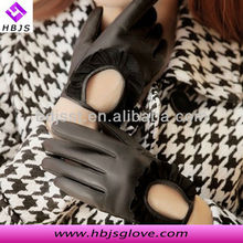 Hot sell ladies elegant fashion black pigskin short dress leather hand glove manufacturer
