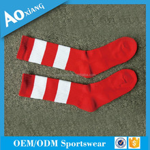 Custom cheap elite sports socks cotton crew red and white striped socks