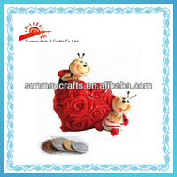 polyresin heart-shaped coin bank