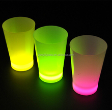 Hot sale 2018 Glow in the dark glass cup , fluorescent cup manufacturer for party,led shot glass