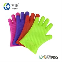The Amazing Heat Resistant Silicone Kitchen and silicone oven glove with fingers