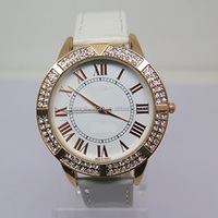 New design Ladies quart watch with glue stone on case