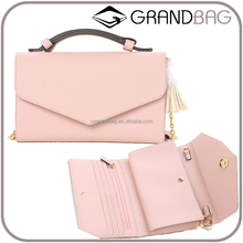 simple saffiano leather envelope clutch bag woman, hot sell lady envelope wallet hand bag with chain strap