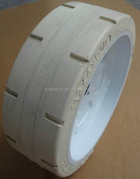 Upright manlift tire