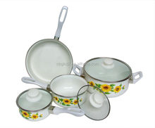 Competitive cast iron enamel cookware saucepan set with coating high quality and fashion