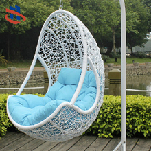 hot sell indoor/outdoor Brown PE rattan wicker hanging swing egg chair with arm