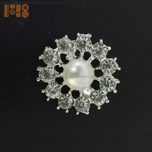 Latest china wholesale diamante brooches and hijab pins for wedding cards