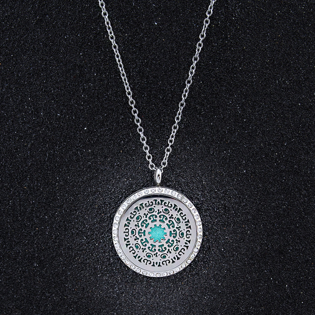 Crystal flower oil diffuser perfume aromatherapy locket necklaces <strong>pendants</strong> with 6 Free pads
