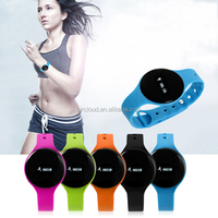 Waterproof Sports Fitness Pedometer Colorful Comfortable Silicon Trap Smart Watch for Smart Cell Phone