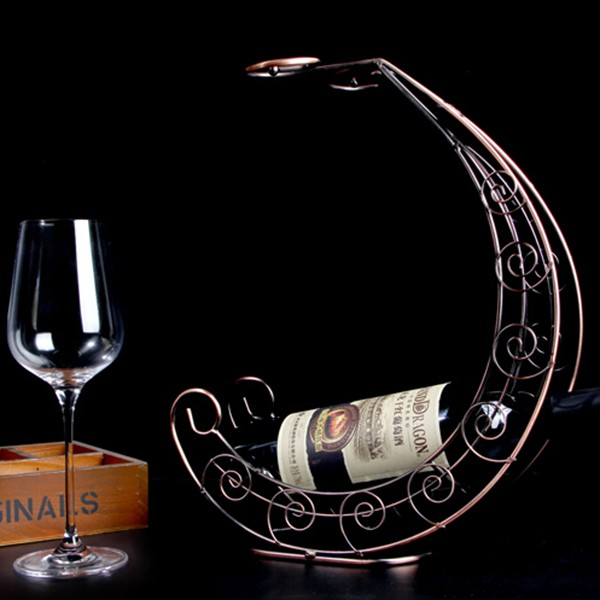 Pirates of the Caribbean creative metal wine rack