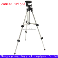 Three segment professional camera tripod with aluminum alloy tube, 1/4 inch universal screw tripod