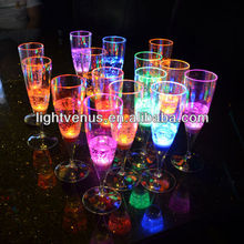 Factory sale Romantic liquid active LED Whisky Glass