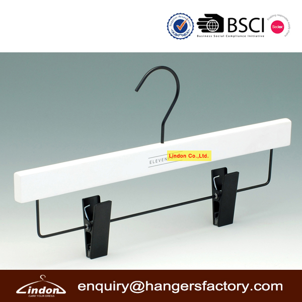 Assessed Supplier LINDON set white paint coated laminated wood hangers