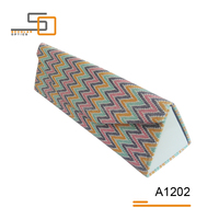 Triangle colorful plastics liner magnet hand made glasses case