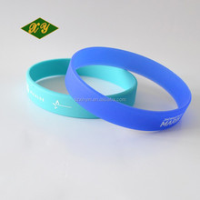 Simple design low price silicone rubber bracelet wholesale