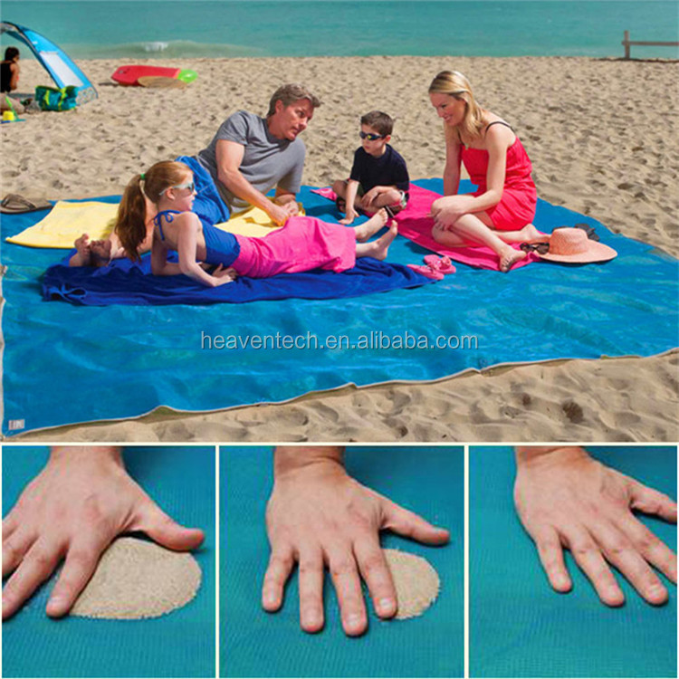 HDPE waterproof anti sand beach mat with D-ring