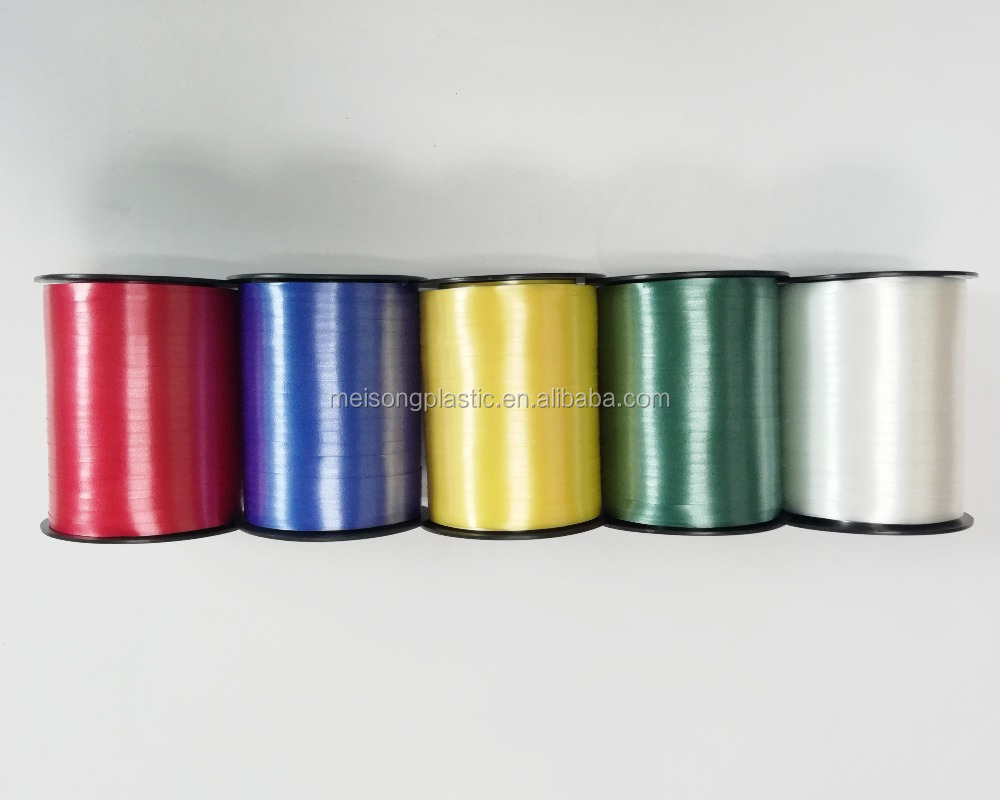 Color pp curling ribbon on plastic spool for gift wrap