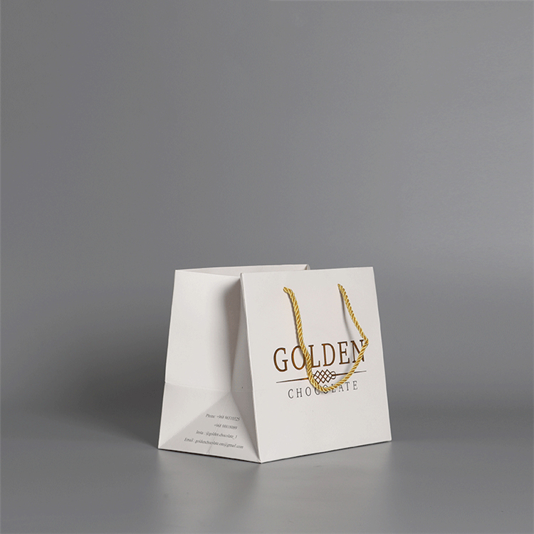 High Quality Custom Logo Printed White Boutique Paper Shopping Bags