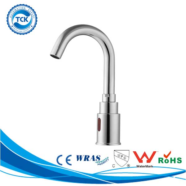 Alibaba China indoor&outdoor family install kitchen sink faucet