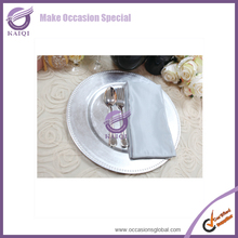 Cheap Wholesale Elegant Clear Plastic Dinnerware Party Dinner Charger Plates For Weddings