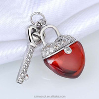 Fashion 925 Sterling Silver Clear CZ and Red Agate Heart Shaped Lock and Key Jewelry