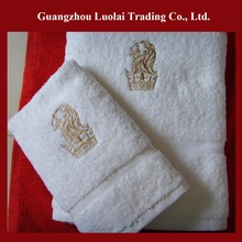 Wholesale alibaba China suppliers embroidery design 500g 600g 750g 100% combed cotton hotel bath towel