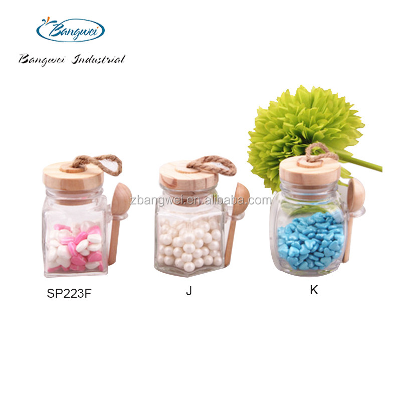 new design glass spice jar with wooden lid and spoon