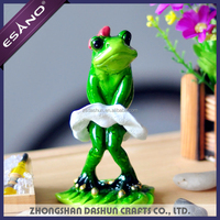 Hot Selling polyresin dancing frog figurine