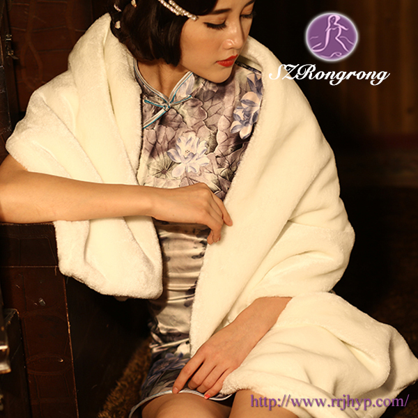 PJ16 Ivory Faux Fur Elegant Wedding Shawls