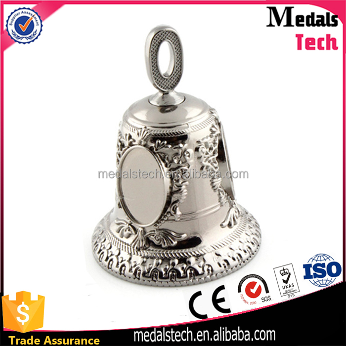 2017 promotion tourist customized logo metal souvenir bell with sticker and epoxy