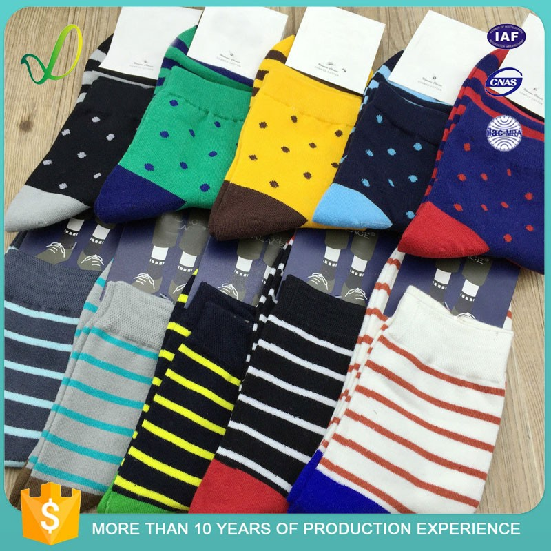 China Supply Custom Logo Men Socks