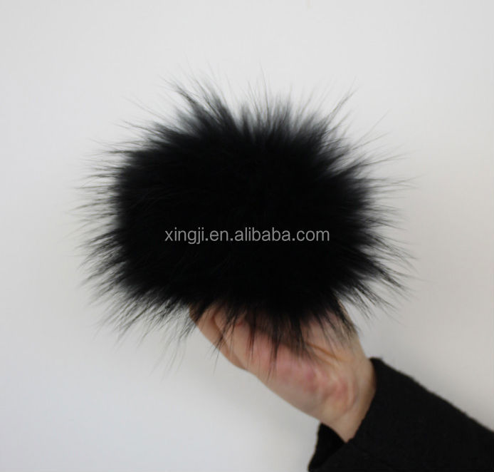 Top quality natural color raccoon fur balls for hat/keychain/shoe