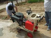 asphalt concrete road cutter with USA petrol engine,2 cylinders electric start,different shaft.water sprayer,dust proof