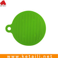High Grade Food Grade Kitchen Heat-insulated Silicone Rubber trivet with 4 magnets