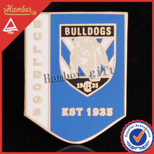Exquisite bulldog football pin badge with customized design