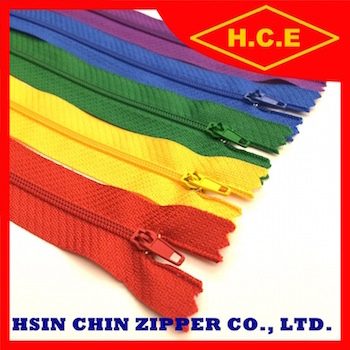 Manufacture close end NO 5 nylon zipper for sleeping bags