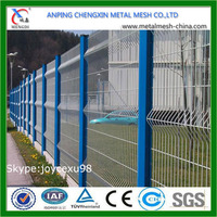 China Hot Sale Wire Mesh Fence /Cheap Prefab Fence Panels