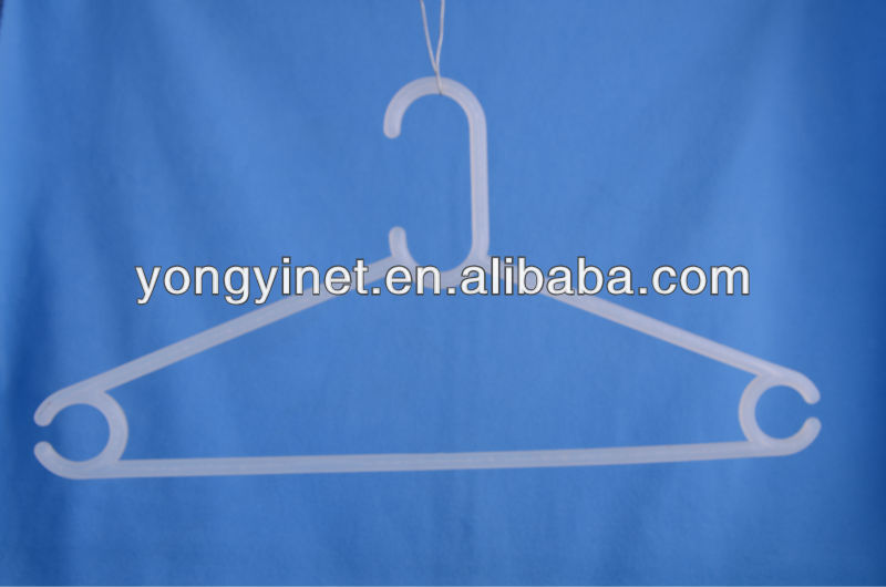 Anti-slip plastic PS clothes hangers for shirt