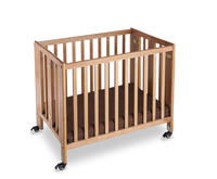 Hotel Foldable Wooden Baby Crib/Bed With Fire Retardant Mattress Durable Swivel Casters