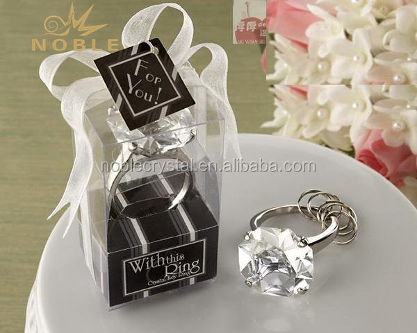 Wholesale Cheap Wedding Favor Souvenirs Gifts Crystal Diamond Ring Keychain
