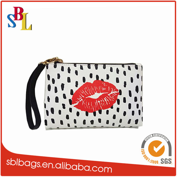 2016 wholesale custom printing PU travel cosmetic makeup bag with wristlet
