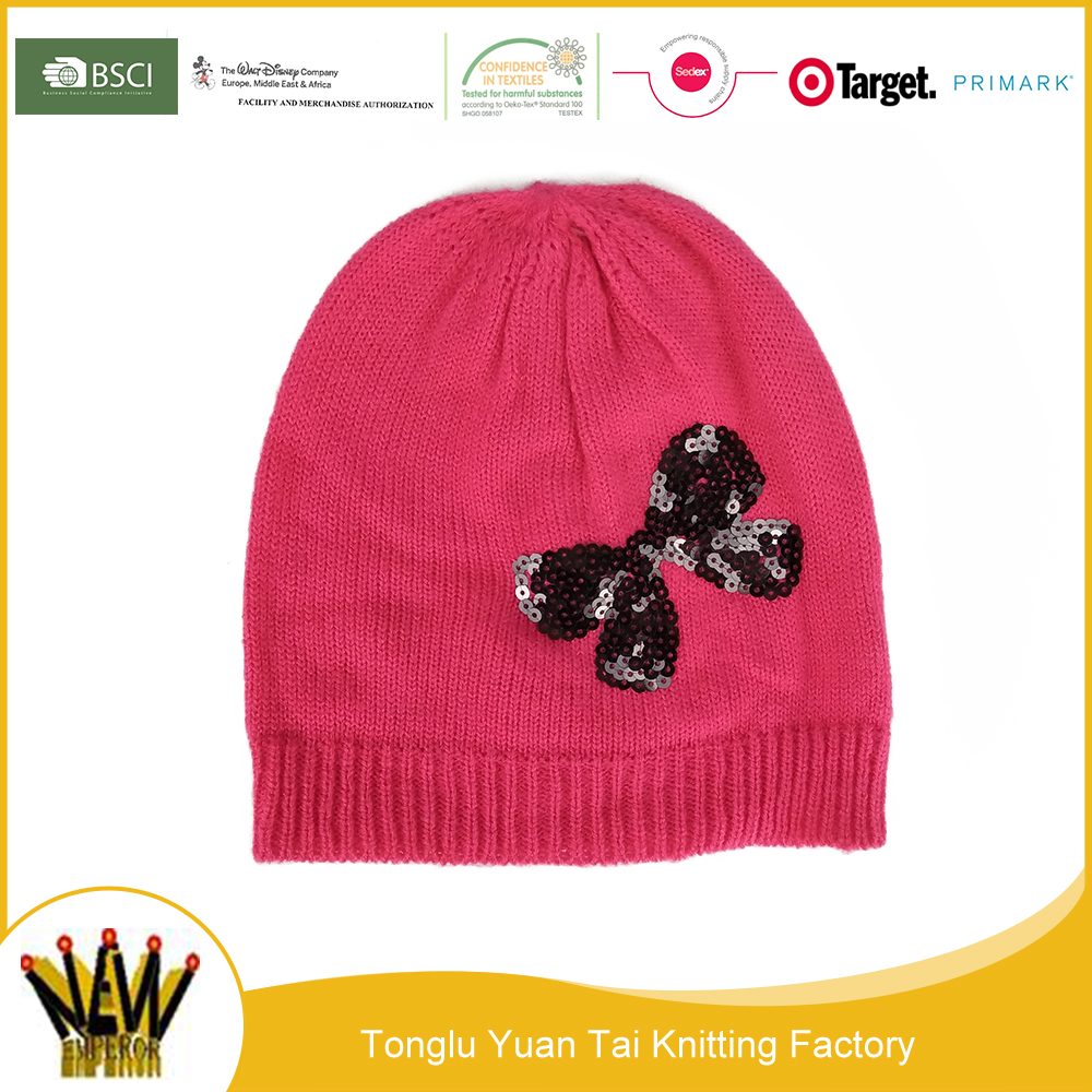 Good factory manufactures lovely colorful winter hat for women