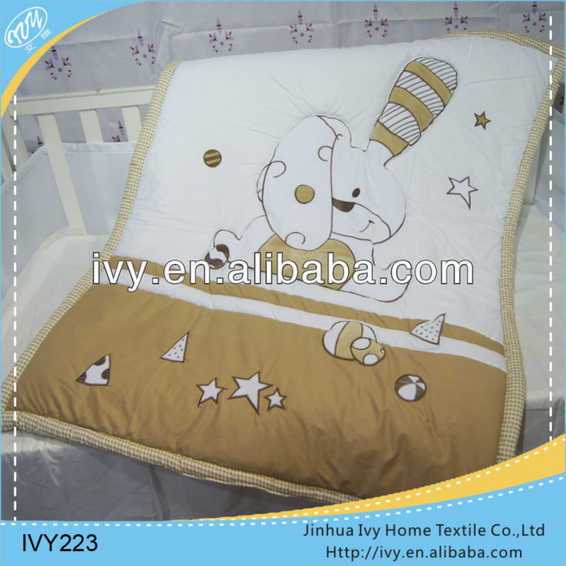 2014 new design quilts ribbon embroidery bedding set